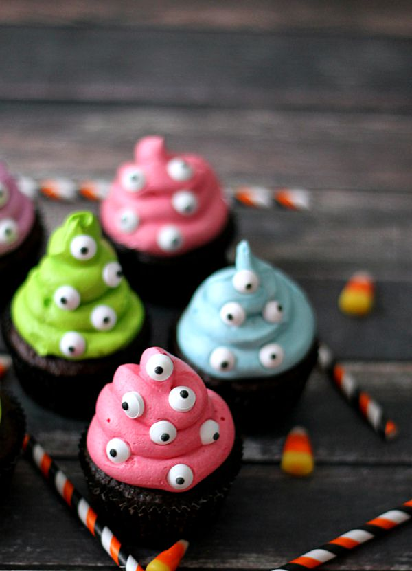 monster eye cup cakes