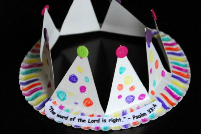 paper plate crown