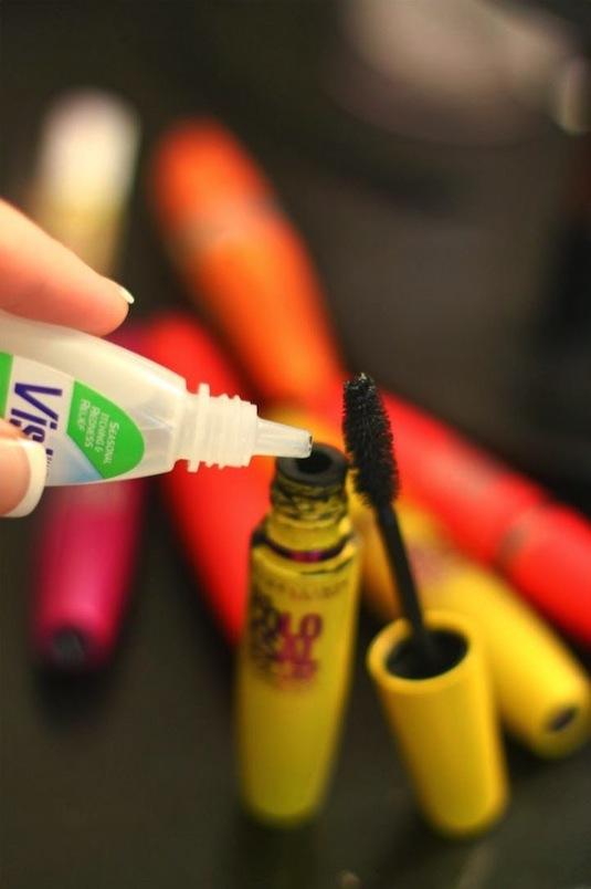 how to fix clumpy mascara