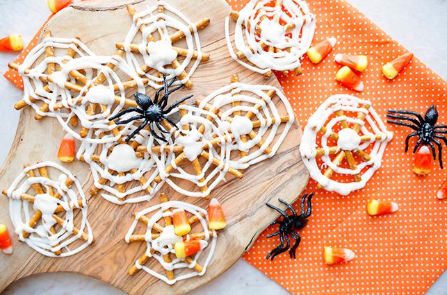pretzel spider web