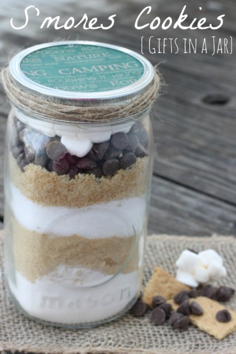 smores-cookies-gifts-in-a-jar-467x700