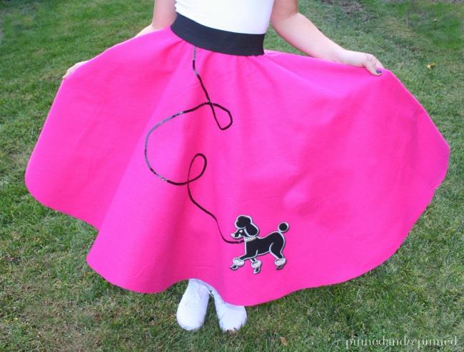 easy-diy-poodle-skirt-fi