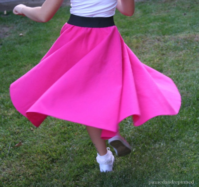 how to make a poodle skirt easy