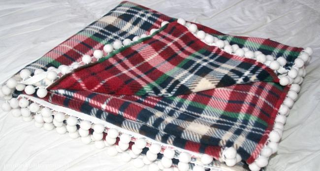 fleece-blanket-e
